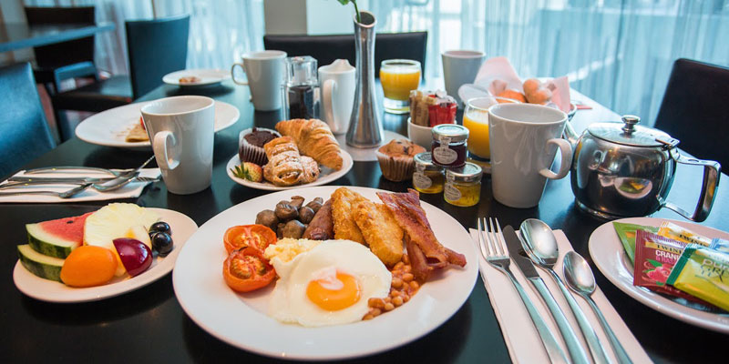crowne plaza marlow breakfast