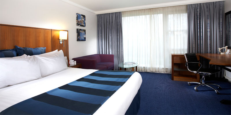 crowne plaza marlow room