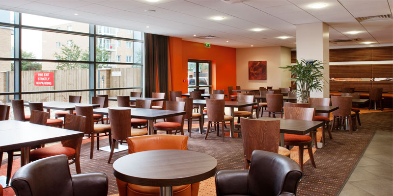holiday inn express slough restaurant