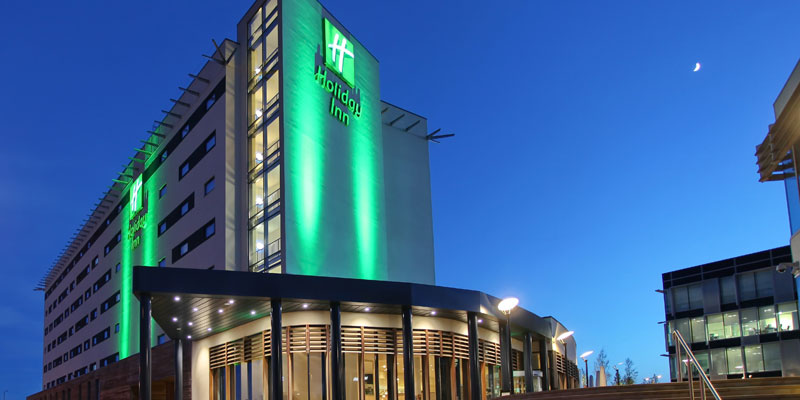 holiday inn reading m4 j10 exterior