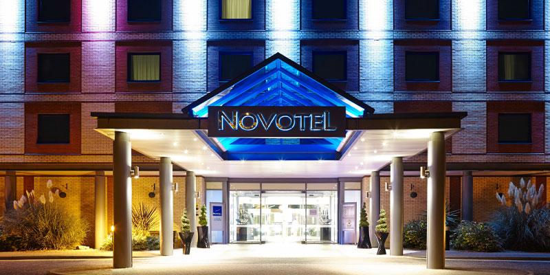 novotel heathrow hotels near legoland windsor. Black Bedroom Furniture Sets. Home Design Ideas