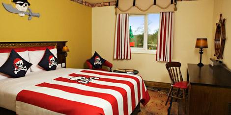 Standard pirate room