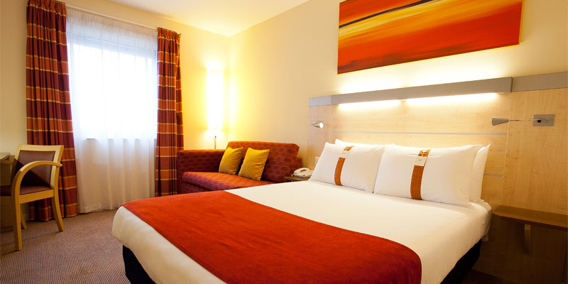 holiday inn express slough room