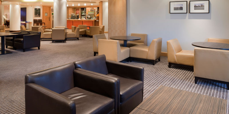 holiday inn high wycombe bar